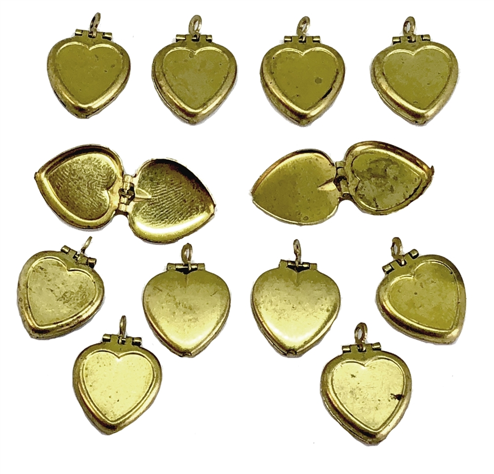 Heart Lockets, Pendant Lockets, Patina, 17x14mm, 07465, vintage lockets, heart mounts, vintage jewelry supplies, heart charms, antique brass, patina brass, hinged lockets, brass hearts, heart pendants, US made, nickel free jewelry supplies, Bsue Boutiques