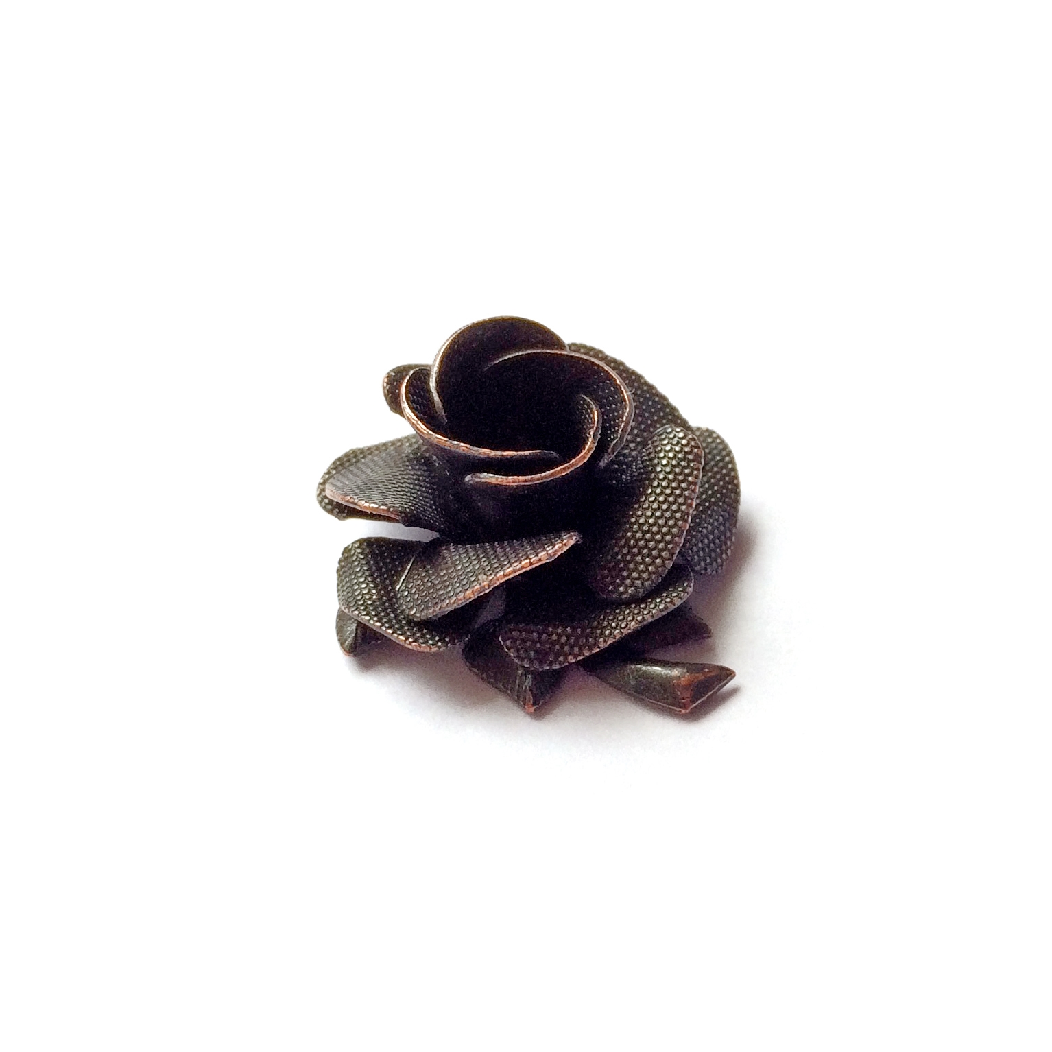 brass tea roses, riveted flowers, rusted iron brass, 0691, B'sue Boutiques, nickel free, US made, brass jewelry parts, antique copper, vintage jewellery supplies, layered flowers, brass flowers, vintage brass flowers