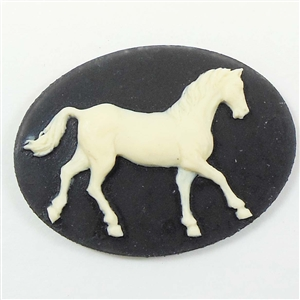 Cameo, Trotting Horse Cameo, Imported Resin, Creme over Black,40 x 30mm