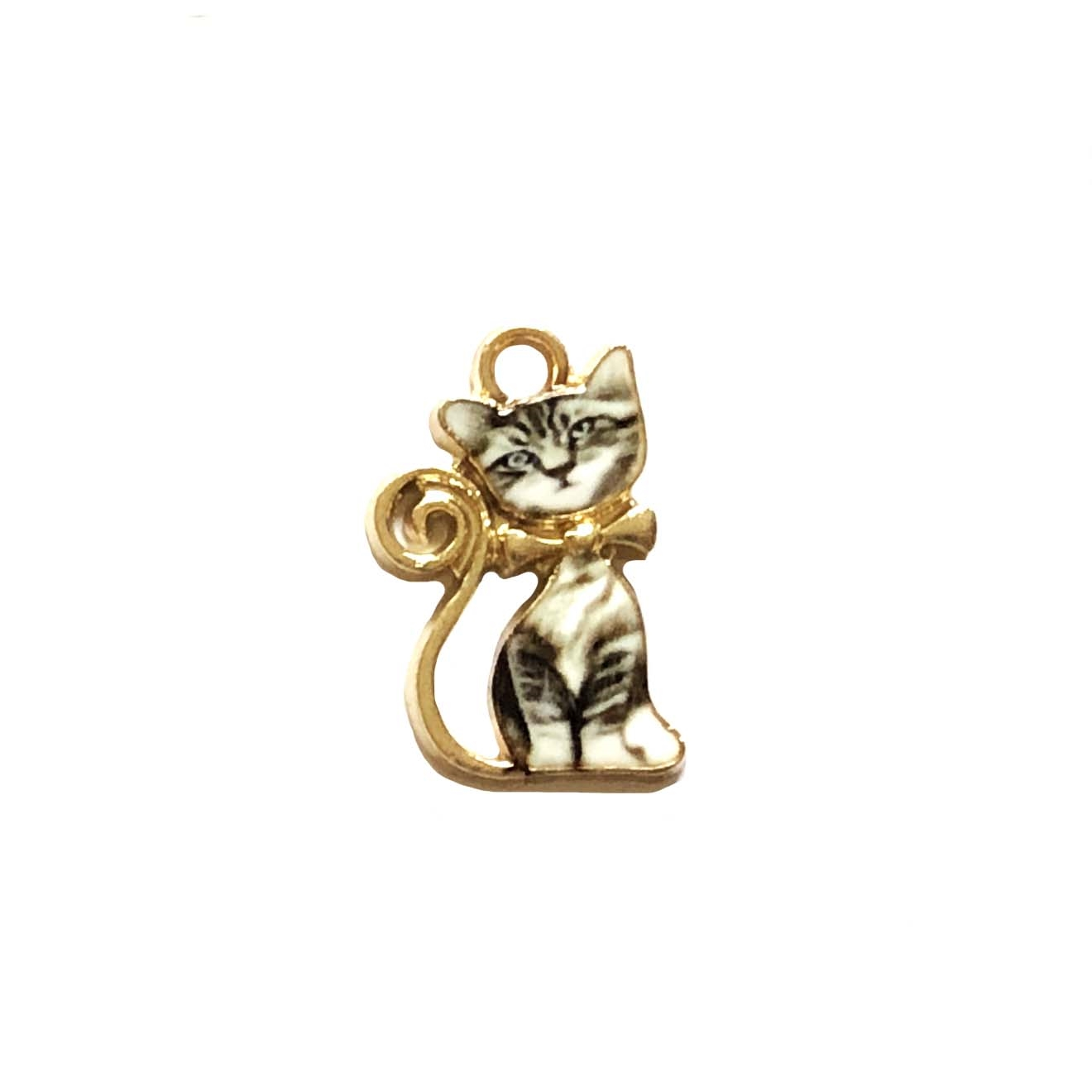 kitty charm, sitting gray tabby, kitty, cat, charm, pendant, 21 x 13mm, B'sue Boutiques, jewelry making, vintage supplies, jewelry supplies, jewelry findings, 0276, white enamel, gold plate, sitting kitty, gray tabby cat