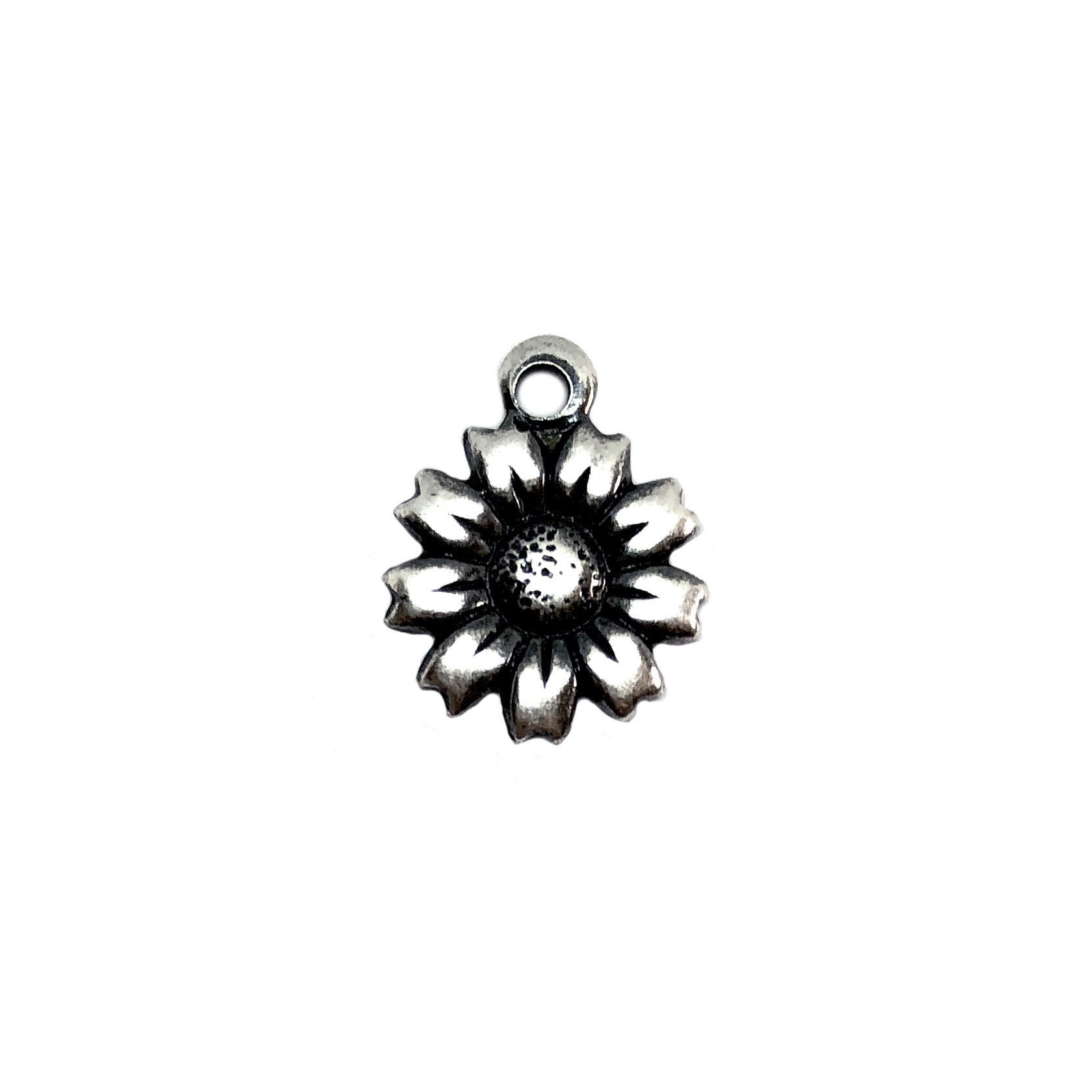 silver plated charm, daisies, silver, 06399, B'sue Boutiques, nickel free jewelry supplies, US made jewelry supplies, vintage jewelry supplies, silverware silverplate, antique silver, flower charm, daisy