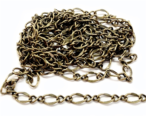brass chain, jewelry chain, jewelry supplies, brass ox, antique brass, vintage jewelry supplies, US Made, nickel free jewelry supplies, Bsue Boutiques, figure 8 chain, oval link chain, twisted link chain, 04300