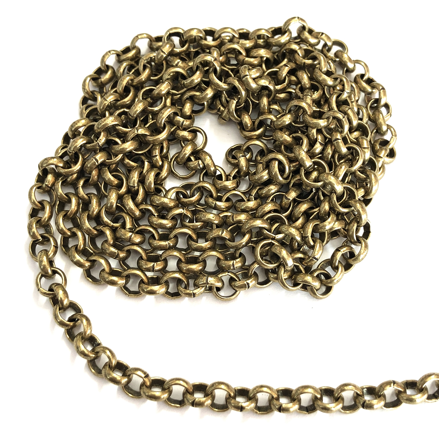 brass jewelry chain, rolo chain, antique brass, B'sue Boutiques, nickel free, US made, brass jewelry supplies, vintage supplies, chain supplies, charm bracelets, bracelets chain, necklace chain, antique brass rolo chain, 6mm links, 0733