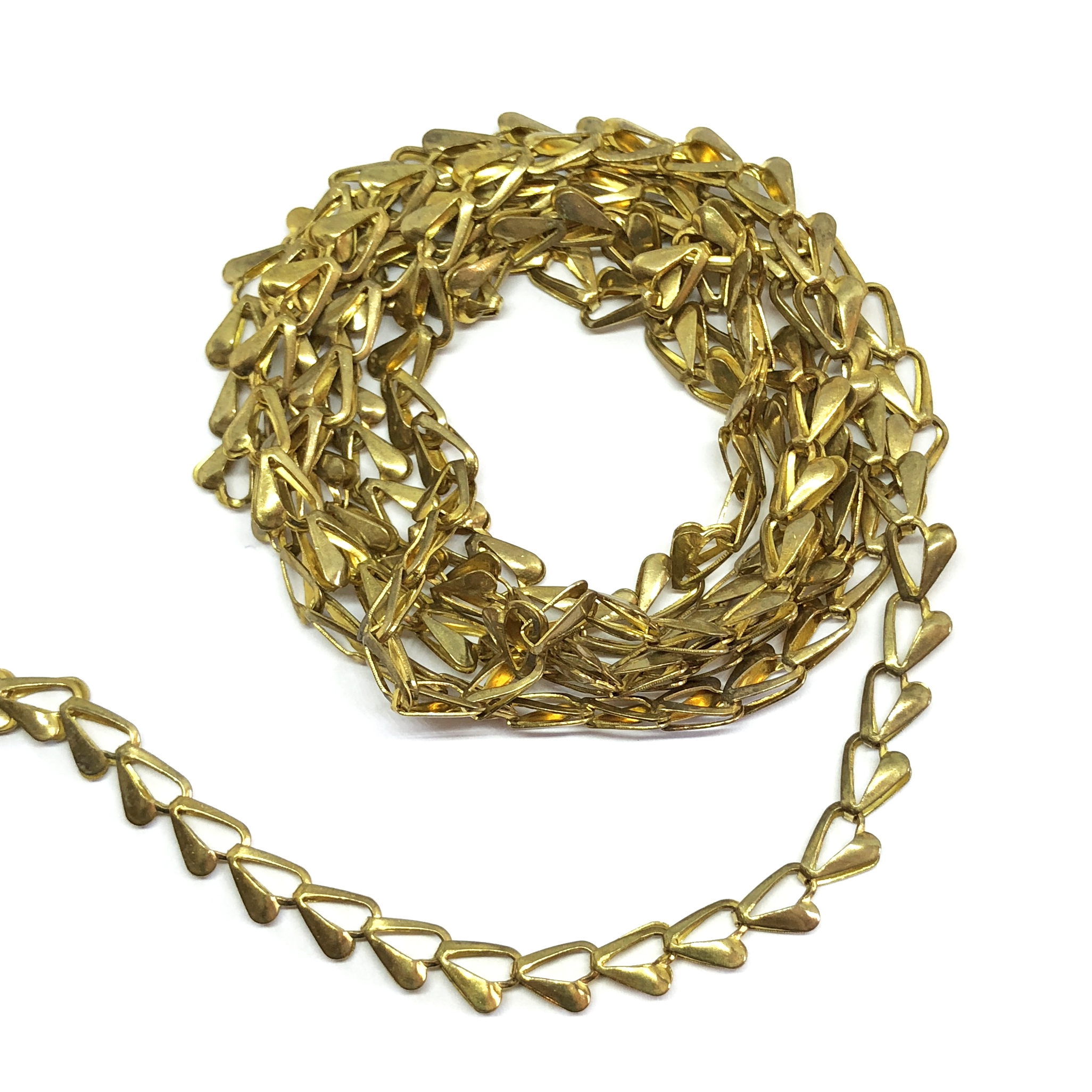 fold over heart chain, brass chain, 08072, B'sue Boutiques, nickel free, us made chain, heart chain, jewelry chain, jewelry making chain, bracelet chain, necklace chain, jewelry supplies, jewelry findings, patina brass, beading chain