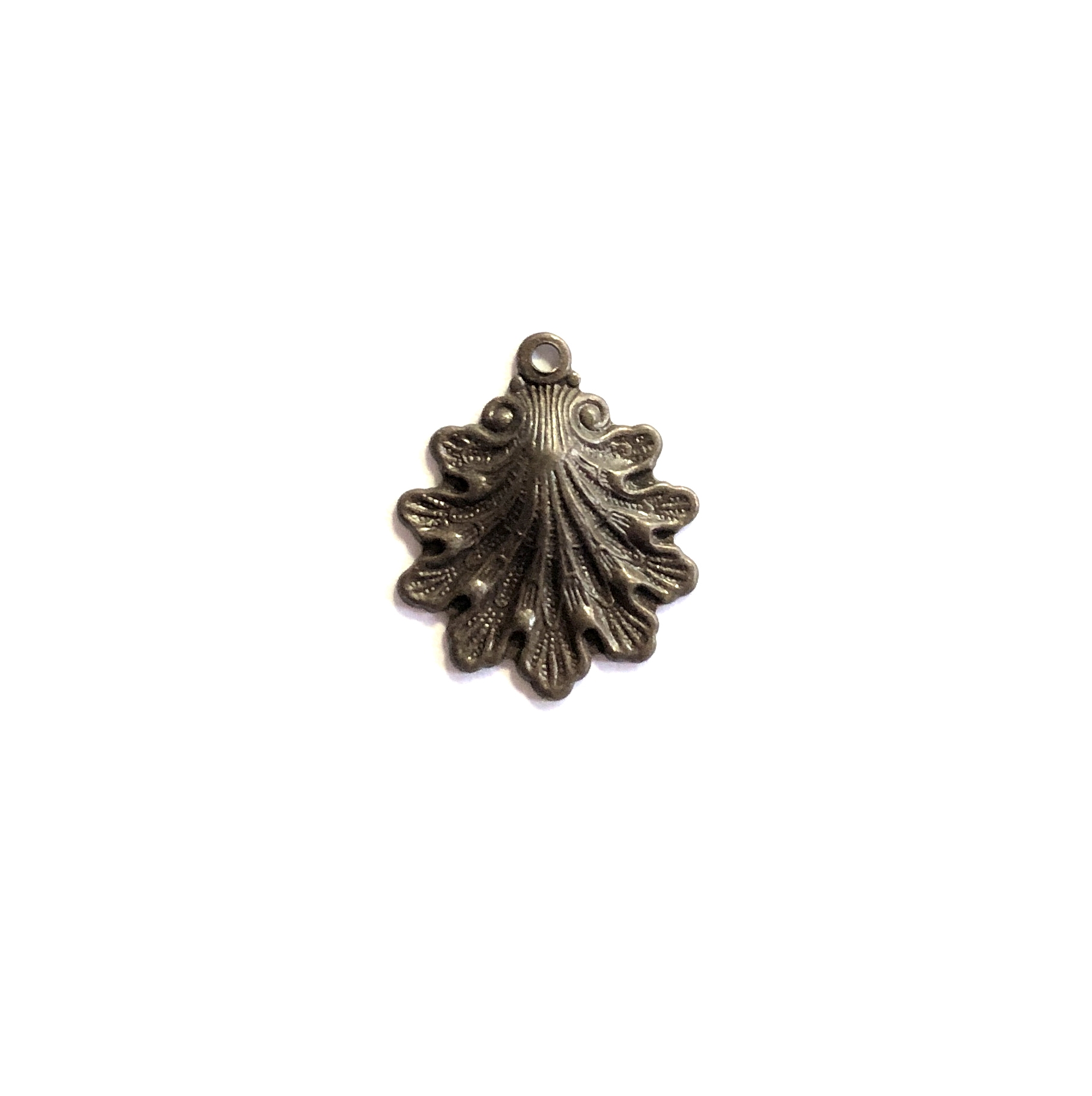 brass shell charm, choxie, 09926, chocolate brass, choxie, jewelry making, 15x14mm, B'sue Boutiques, nickel free jewelry supplies, vintage jewelry supplies, US made jewelry supplies, beach, shell, sea shell, ocean