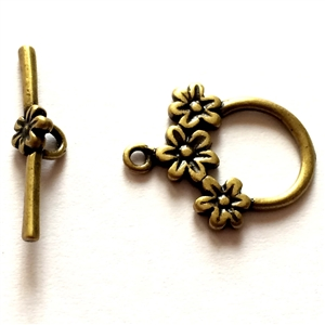 jewelry clasps, flower clasp, antique brass, B'sue Boutiques, nickel free, us made, vintage supplies, jewelry making, brass jewelry parts, brass toggles, flower toggles, beading supplies, jewelry making, clasp, toggle, brass ox, brass, 20x21mm, 02101