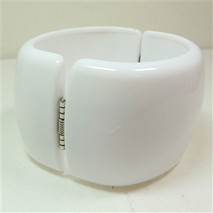 Acrylic Cuff, Lucite Look, High End Quality, Magnetic Clasp, Chalk White, 47mm Wide