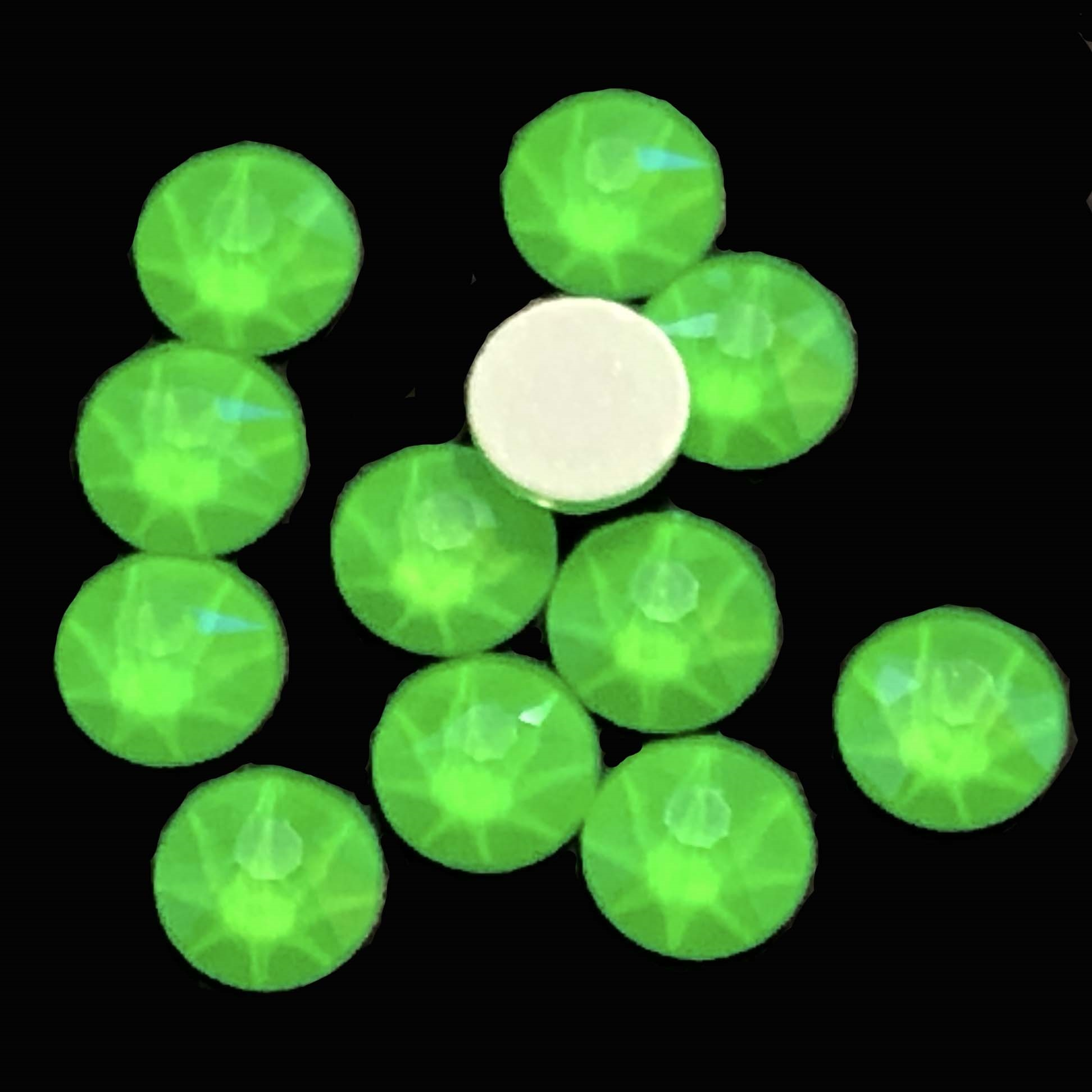 4mm, 16ss, Glow in the Dark, Electric Green, 09382, rhinestone, stone, Czech glass, flatback, flatback rhinestone, 4mm, flatback, sparkle, jewelry making, jewelry findings, B'sue Boutiques, vintage supplies, jewelry supplies