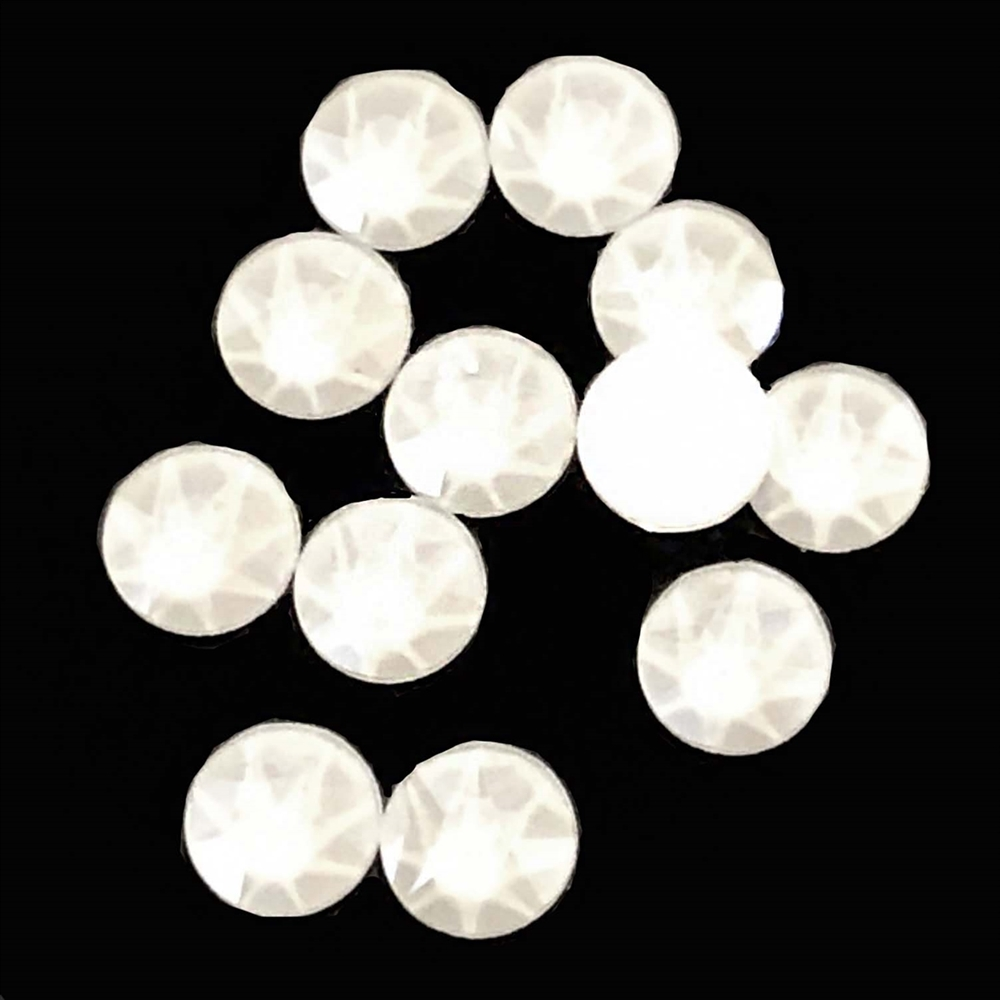 4mm, 16ss, Glow in the Dark, Electric White, 09384, rhinestone, stone, Czech glass, flatback, flatback rhinestone, 4mm, flatback, sparkle, jewelry making, jewelry findings, B'sue Boutiques, vintage supplies, jewelry supplies