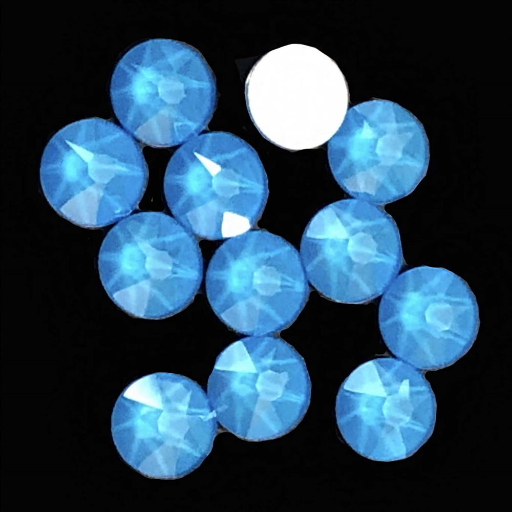4mm, 16ss, Glow in the Dark, Electric Blue, 09385, rhinestone, stone, Czech glass, flatback, flatback rhinestone, 4mm, flatback, sparkle, jewelry making, jewelry findings, B'sue Boutiques, vintage supplies, jewelry supplies