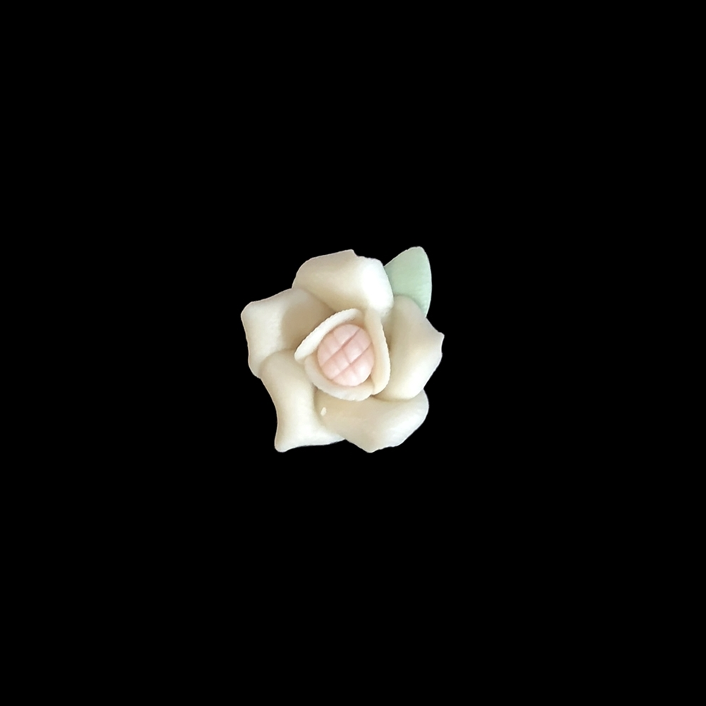ceramic flowers, jewelry supplies, handmade, 05874, jewelry making supplies, vintage jewelry supplies, handmade flowers, B'sue Boutiques, ceramic roses, handmade jewelry, 14mm flowers, bisque roses