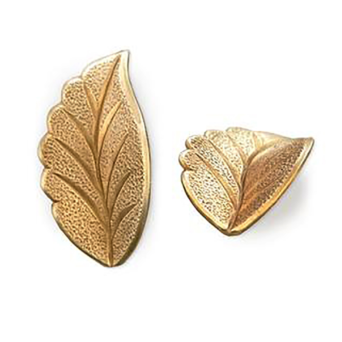 vintage style curved leaf stamping, right facing, leaf, stamping, raw brass, unplated brass, antique brass, brass, US made, vintage style, right leaf, brass stamping, jewelry making, vintage supplies, jewelry supplies, B'sue Boutiques, 09270