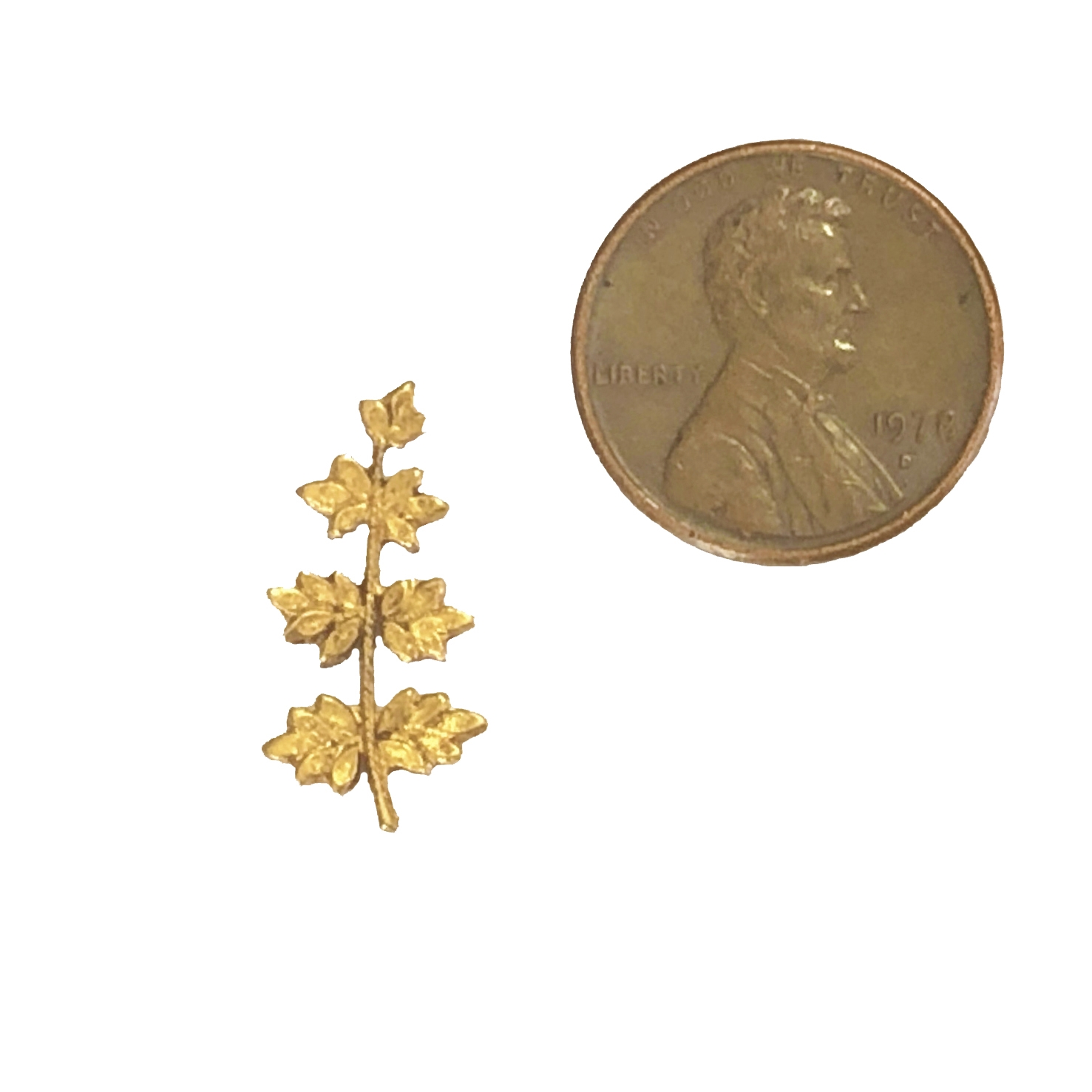 leaf stampings, brass leaves, classic gold, 09767, brass jewelry supplies, vintage jewellery supplies, B'sue Boutiques, nickel free, US made, beading supplies, rivet hole stampings, antique gold