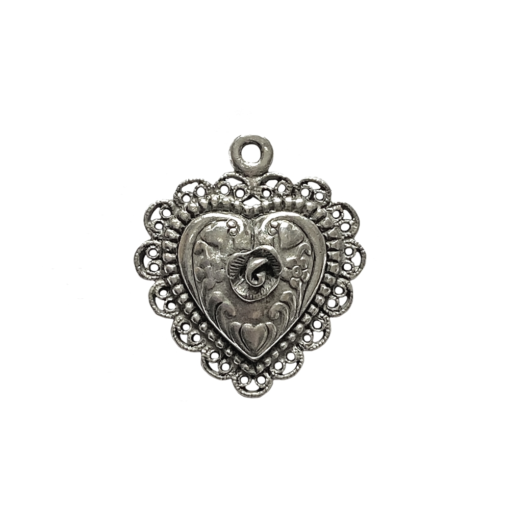 old silver pewter, rose heart pendant, 01011, heart charm, vintage, B'sue by 1928, lead free pewter castings, cast pewter jewelry findings, made in the USA, flower charm, antique silver, heart charm, 1928 Company, B'sue Boutiques