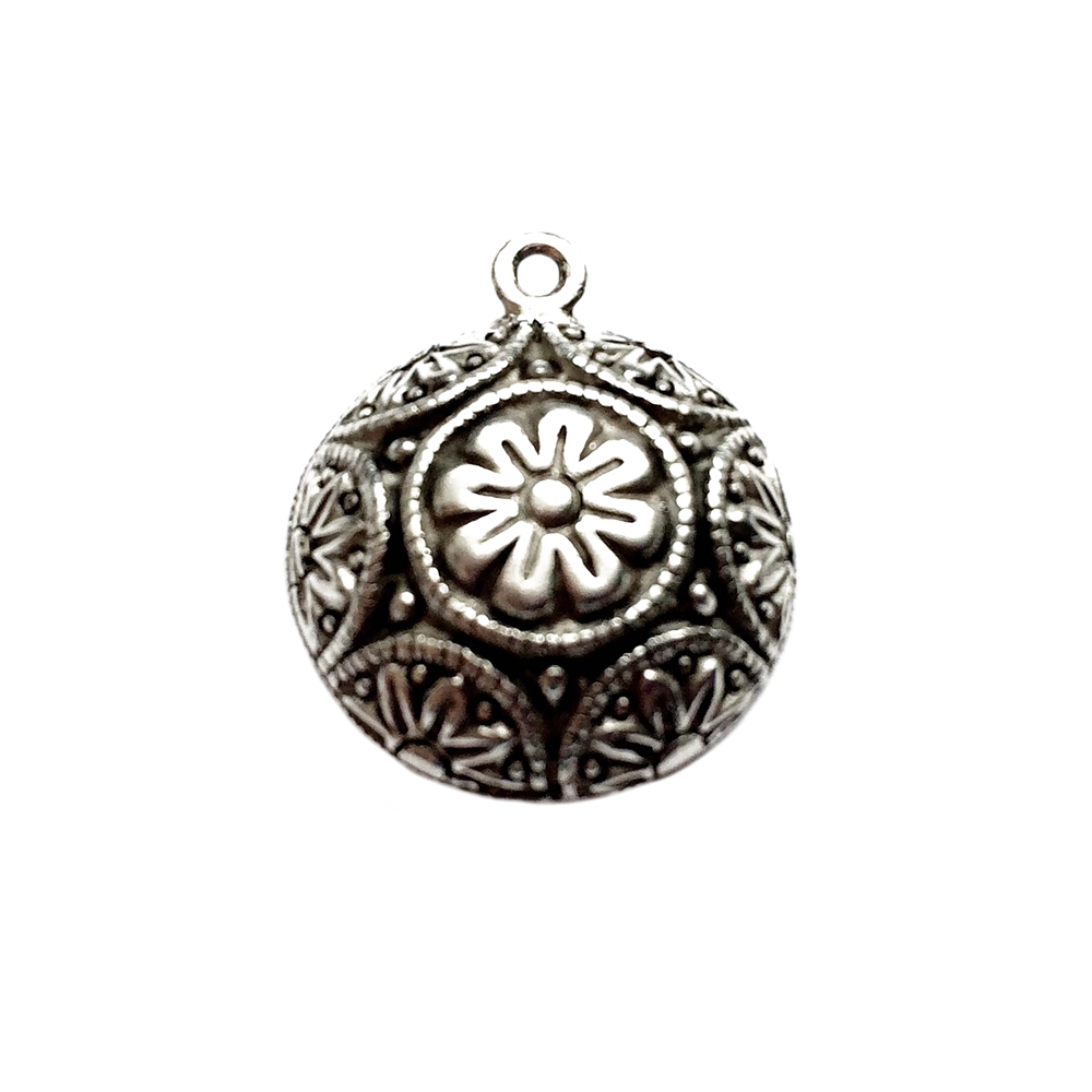 old silver,floral charms, flower charms, pewter charms,09746, lead free pewter, B'sue by 1928, silver plated pewter, antique, vintage jewelry parts, pewter jewelry parts, nickel free finish, made in the USA, 1928 Company, designer jewelry, B'sue Boutiques