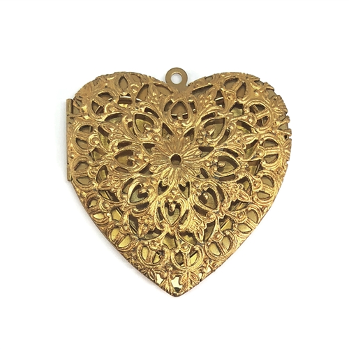 vintage perfume heart locket, pendant locket, filigree locket, patina brass, jewelry lockets, lockets, locket, hinged, perfume locket, floral design, Victorian design locket, floral locket, jewelry making, vintage supplies, B'sue Boutiques, 59mm, 06839