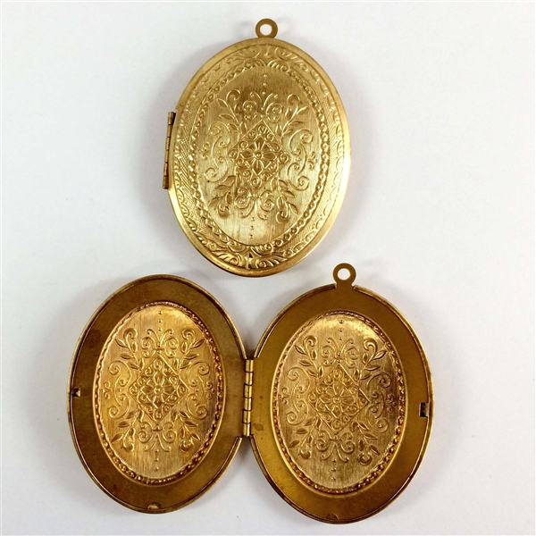 Brass lockets vintage lockets patina 08820 64 x 48mm bsue brass lockets vintage lockets patina 08820 64 x 48mm bsue boutiques vintage jewelry supplies aloadofball Image collections