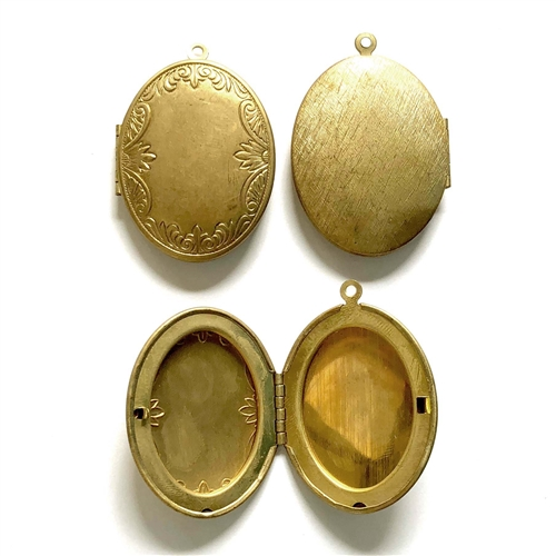 brass lockets, vintage lockets, patina, 43mm, 09187, B'sue Boutiques, vintage jewelry supplies, brass jewelry parts,vintage findings, lockets, raw brass