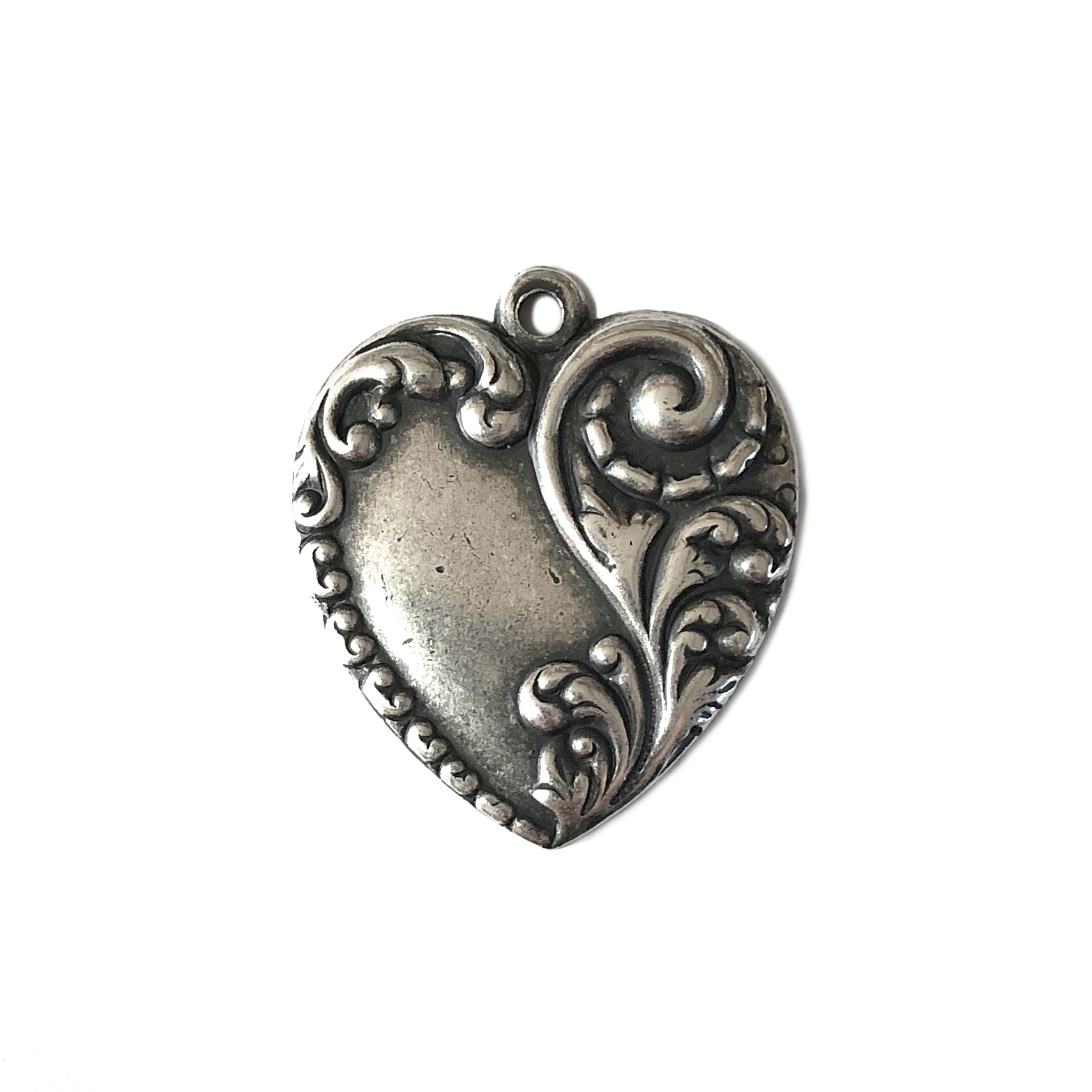 elegant floral heart pendant, silverplate, silverware, pendant, heart charm, heart, floral, floral heart, 28x24mm, victorian, antique silver, US made, nickel free, B'sue Boutiques, jewelry making, jewelry supplies, jewelry findings, vintage supplies,01023