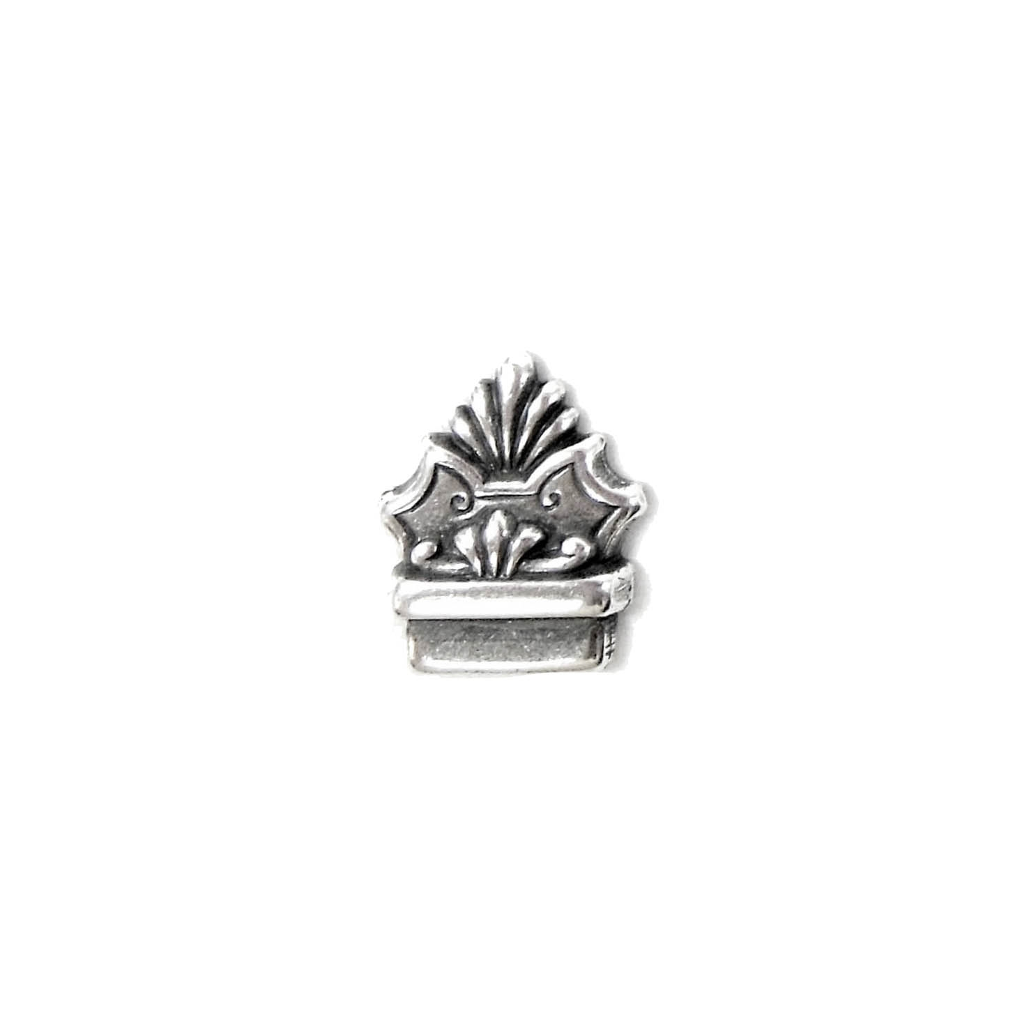 victorian stamping, antique silver, 15 x 13mm, 03905