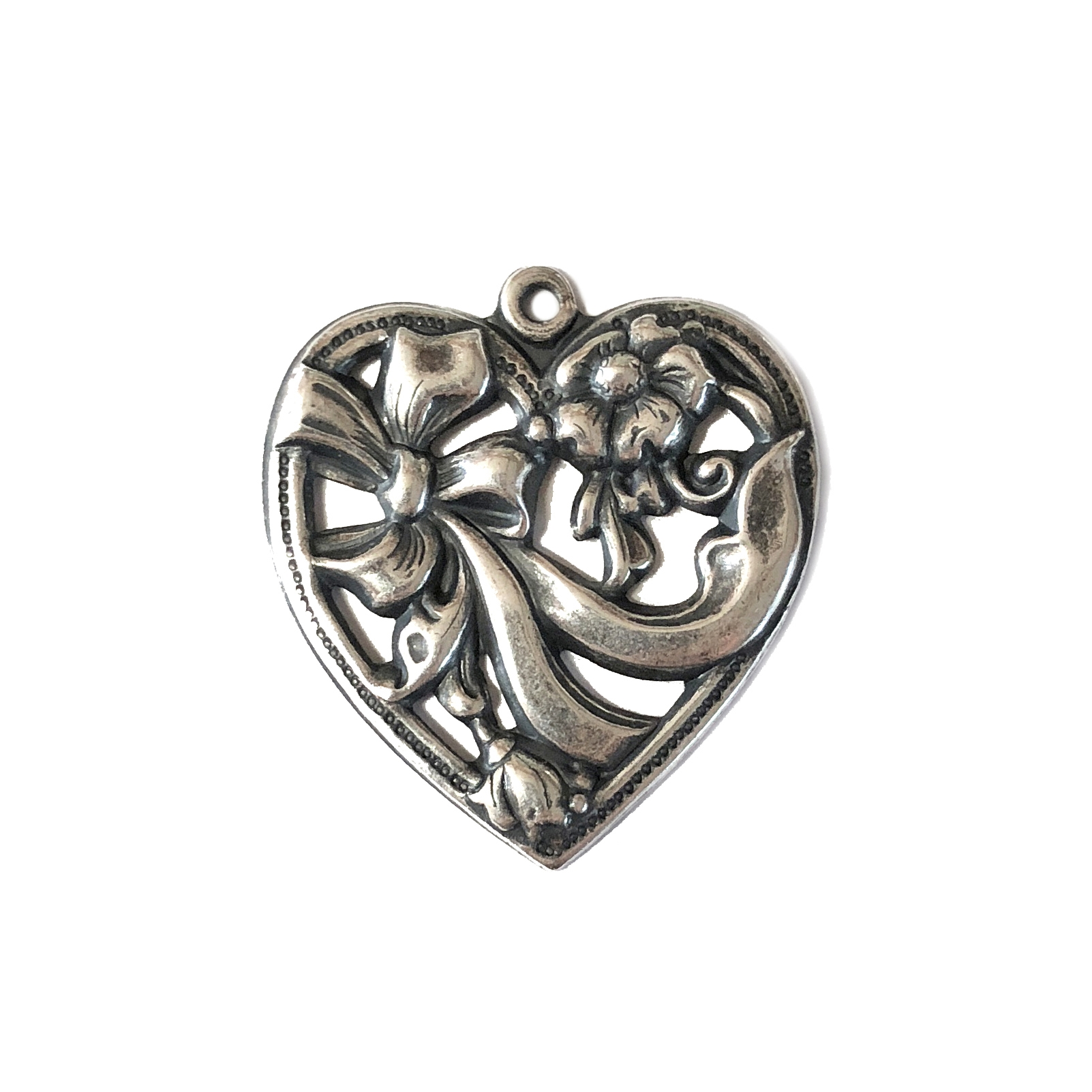 heart with bow pendant, silverware silverplate, charm, pendant, antique silver, silver heart, heart, bow, silverware, silverplate, US made, nickel free, 29x27mm, jewelry making, jewelry heart, vintage supplies, jewelry supplies, jewelry findings, 04450