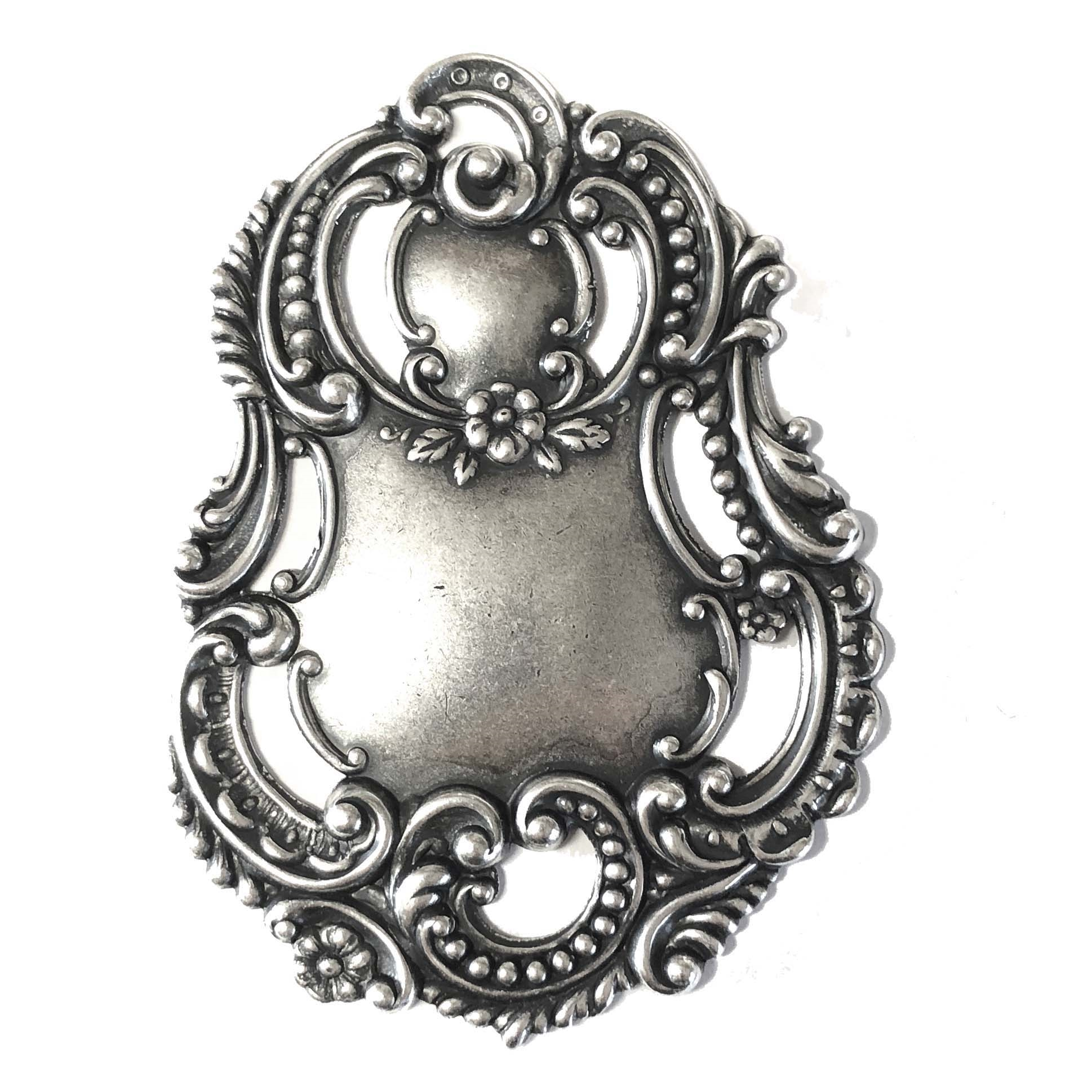 luggage tag, luggage tag stamping, silverplate, vintage style, floral, pendent, silverware, silverplate silverware, 70x51mm, antique silver, us made, nickel free, B'sue Boutiques, jewelry making, vintage supplies, jewelry supplies, jewelry findings,0601