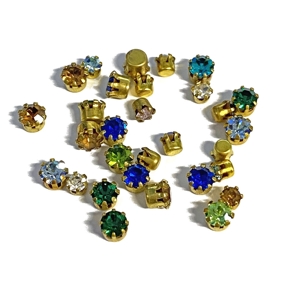 chatons, rhinestones, Swarovski, assorted colors,  flat back, Tiffany style setting, mixed colors, assortment, crystals, embellishments, stones, rhinestone, B'sue Boutiques, jewelry supplies,jewelry findings, jewelry making, vintage supplies, 3-4mm, 02896