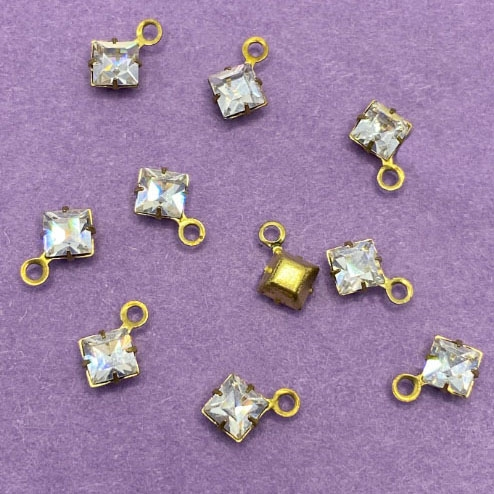 vintage crystal clear swarovski stones, crystal clear, diamond shape drops, charms, mounted stone, glass, glass stones, brass, vintage supplies, US made, 4mm, jewelry making, jewelry supplies, swarovski stones, square drops, 02952