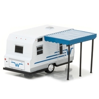 Greenlight - Hitched Homes Series 2 - 1964 WINNEBAGO 216 TRAVEL TRAILER