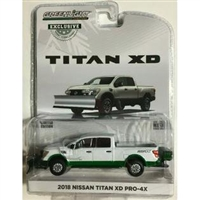 Greenlight - 2018 Nissan Titan XD Pro-4X Pickup Truck with Snow Plow and Salt Spreader Metallic White Hobby Exclusive - Green Machine