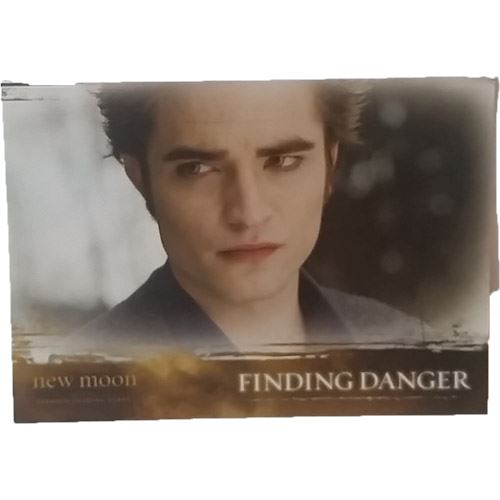 Twilight - New Moon Trading Card #43 - Finding Danger