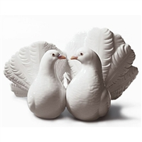 Lladro Couple of Doves