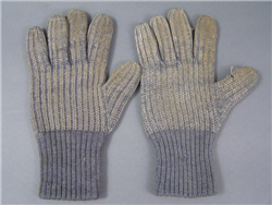 Original German WWII Non-Matching Wool Gloves 2 Ring