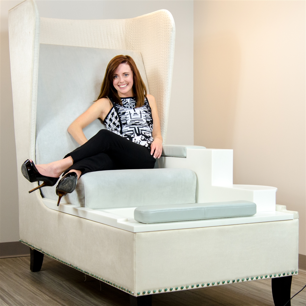 Blue Label Throne Amp Foot Spa Pedicure Chair For Nail Salon