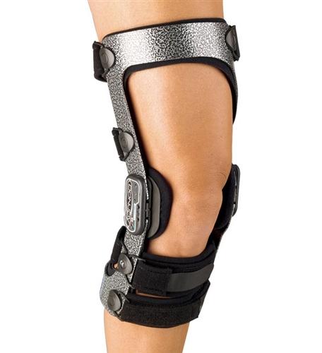 ccba9ae3d0 DonJoy Armor Knee Brace with FourcePoint Hinge