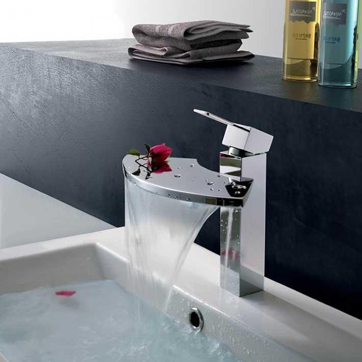 Bathroom Waterfall Sink Faucet