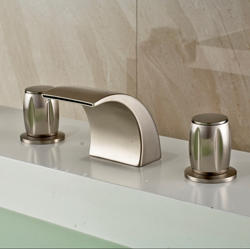 Montreal Brushed Nickel Finish Deck Mounted Bathtub Faucet With Hot And  Cold Mixer.