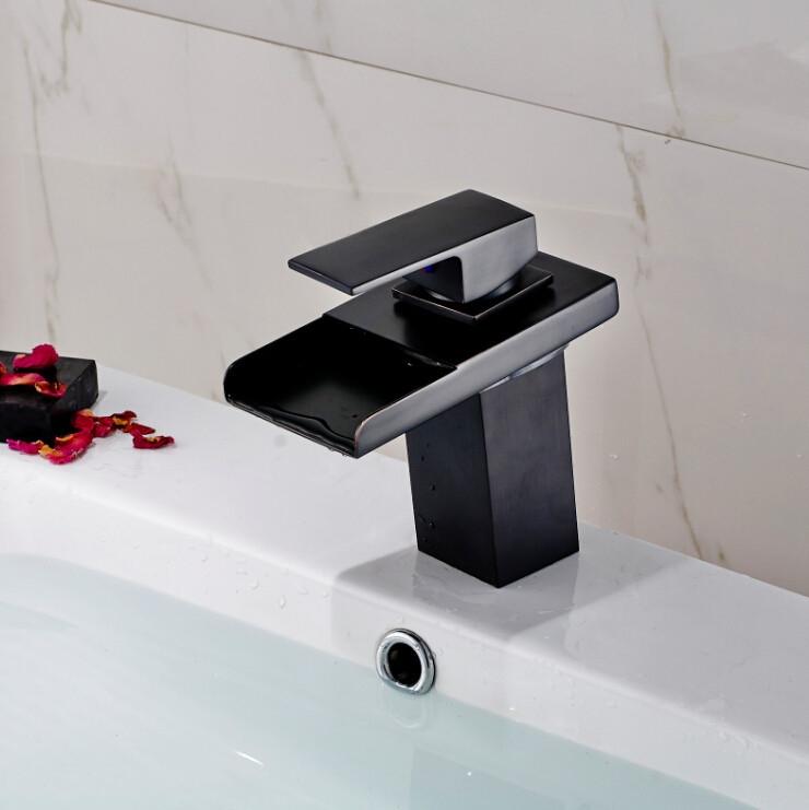 Quebec Oil Rubbed Bronze Deck Mounted Single Handle Bathtub Faucet.