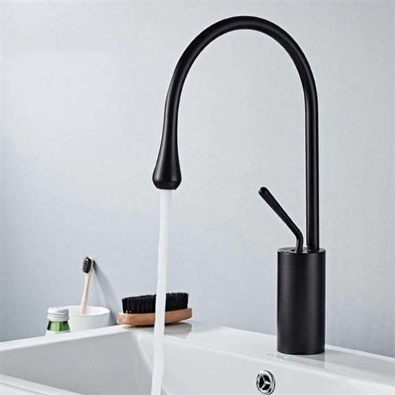 Single Lever 360 Rotation Spout Modern Brass Sink Faucet