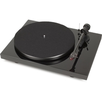 Pro-Ject Audio Systems Debut Carbon DC TURNTABLE