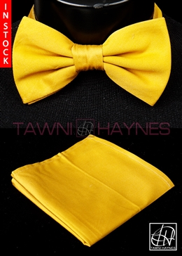 Tawni Haynes Split Pea Stretch Cotton Bow Tie & Pocket Square