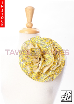 Tawni Haynes Circle Flower Pin (8 inch) - Yellow & Black Geometric Stretch Cotton