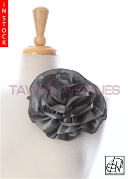 Tawni Haynes Circle Flower Pin (8 inch) - Gray Taffeta