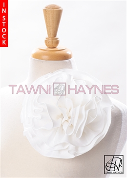 Tawni Haynes Circle Flower Pin (8 inch) - Off White Ribbed Polyester