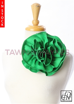 Tawni Haynes Circle Flower Pin (8 inch) - Kelly Green Stretch Cotton