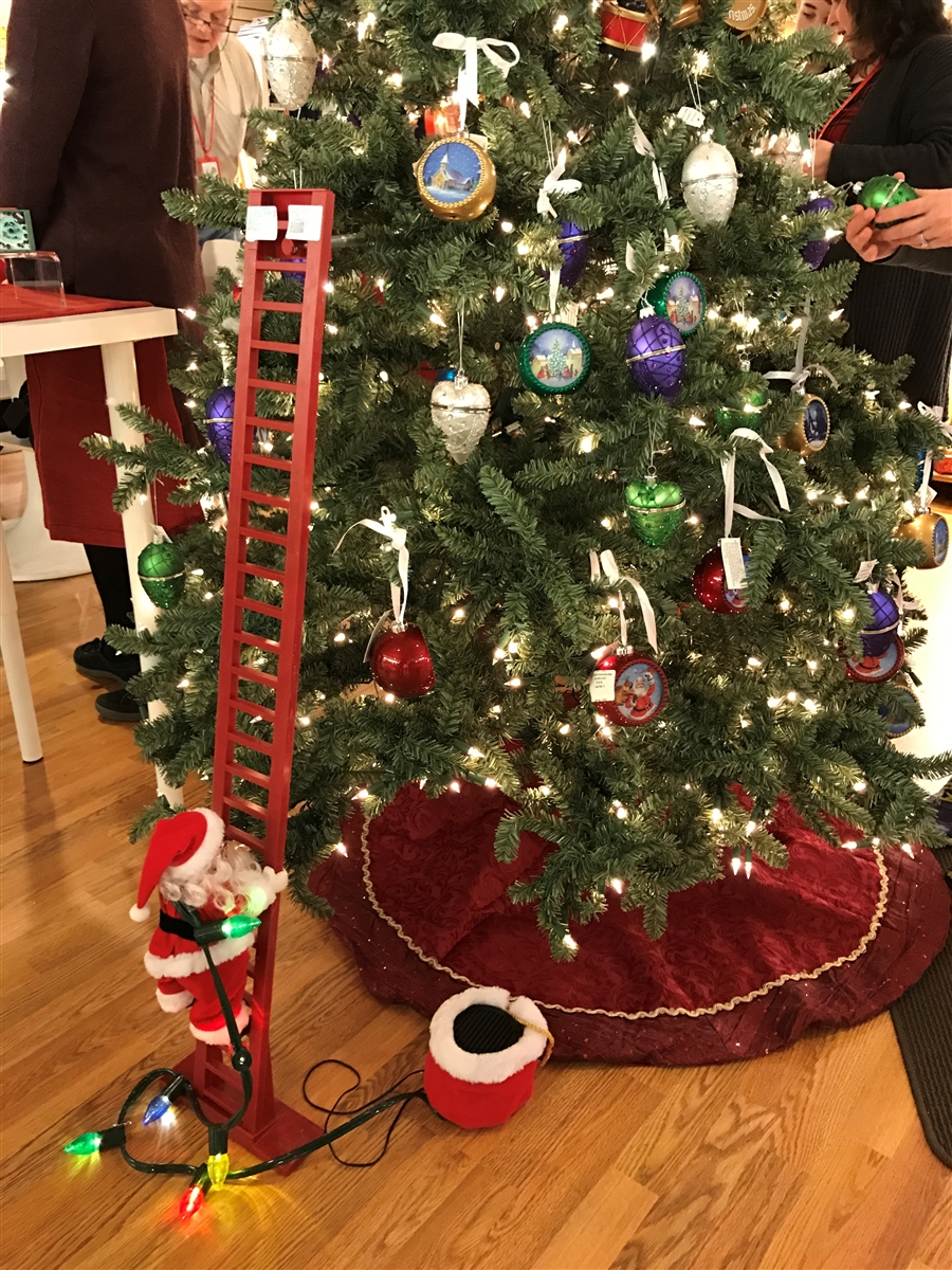 mr christmas super climbing santa - Mr Christmas Tree