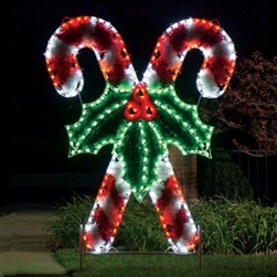 "8'3"" X 6'8"" Garland Crossed candy Canes with LED Bulbs"