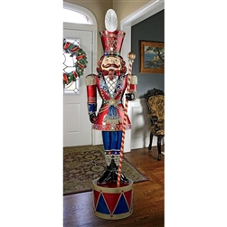 Litl Nutcracker made of resin and fiberglass