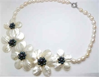 20653 MOP 5 flowers Combo with Single Pearl Necklace
