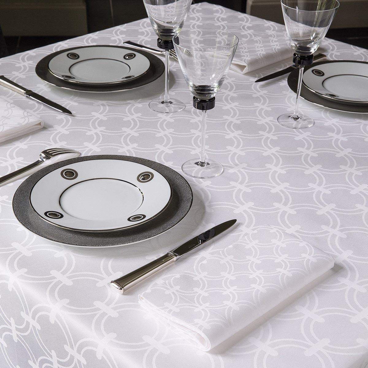 Anneaux Table Linens